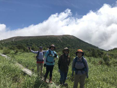 暑い夏ここだけは爽やかで別天地でした(^◇^)東吾妻山ハイキングツアーお疲れ様でした