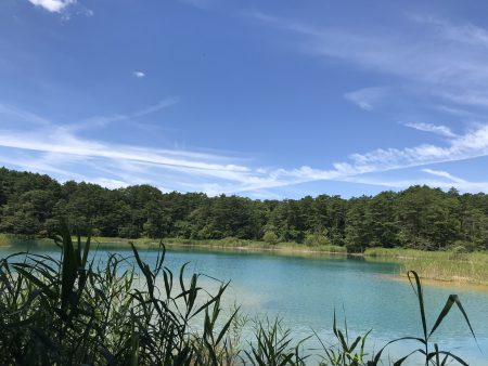 裏磐梯の景勝地。五色沼湖畔群を歩くハイキングツアー