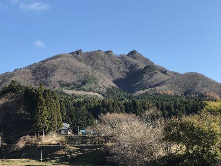 深まりゆく秋  岩峰の鎌倉岳を満喫するロハスハイキングツアーでした!
