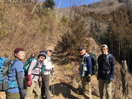 奥久慈 生瀬富士ハイキング‼️岩稜を這い登り、ロープで急斜面を下り、断崖の縁をたどった刺激満点の山でした💯