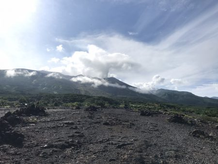 朝ドラの「なつぞら」で見た、北海道の雄大な十勝岳と大雪山は最高でした(^_^)